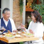 洋服の汚れを気にせず食事ができるエプロン/フットマーク株式会社「Table with(テーブル・ウィズ)」